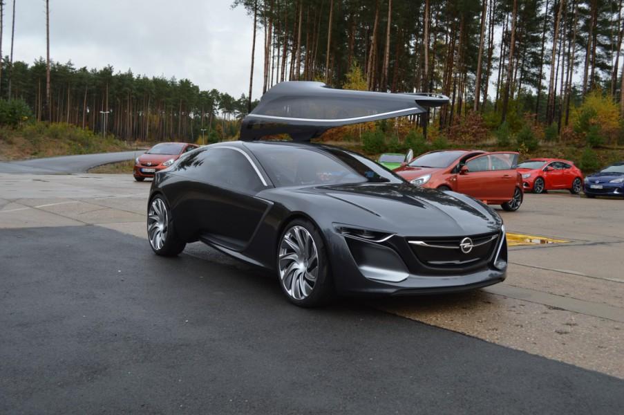 """Das Opel """"Monza"""" Concept Car"""