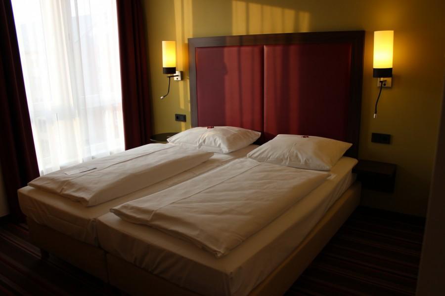 Hotelzimmer fotografiert mit Canon EOS 600D