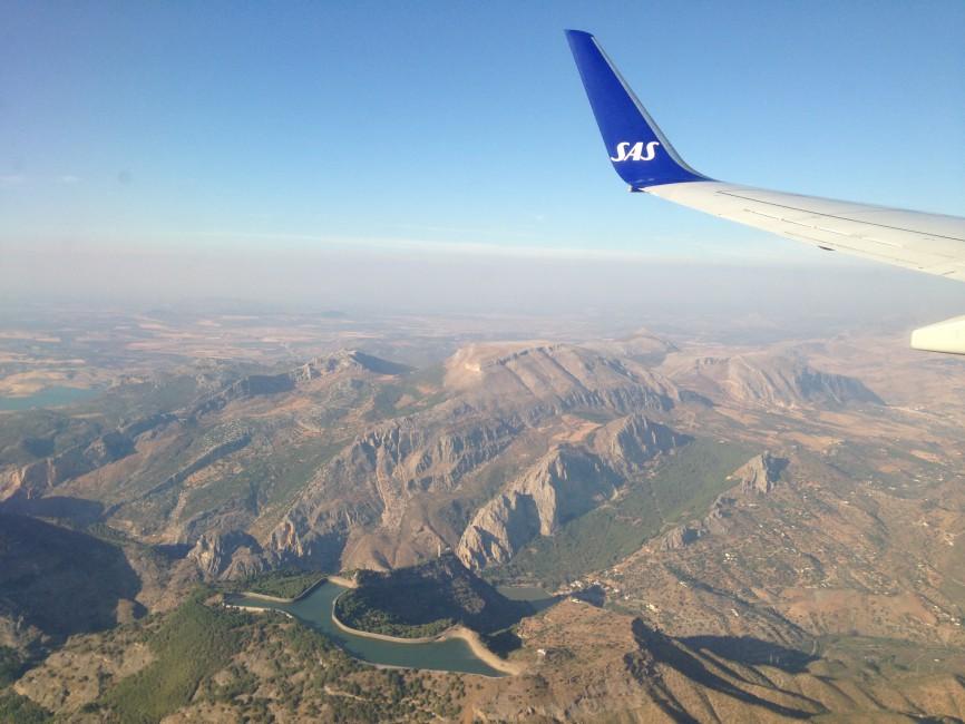 Flug nach Malaga mit Blick auf spanisches Inland
