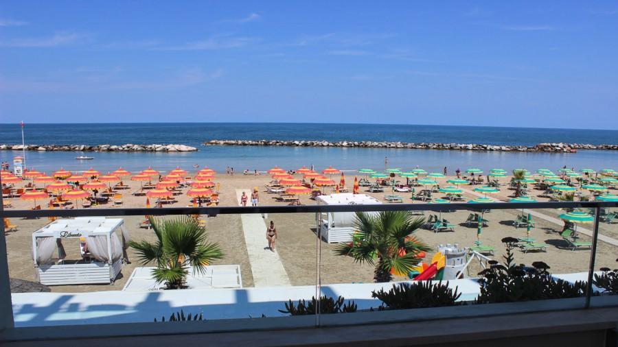 Torre Pedrera Beach