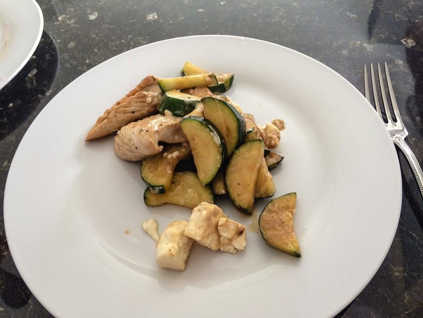 Zucchini Feta mit Hähnchenfleisch