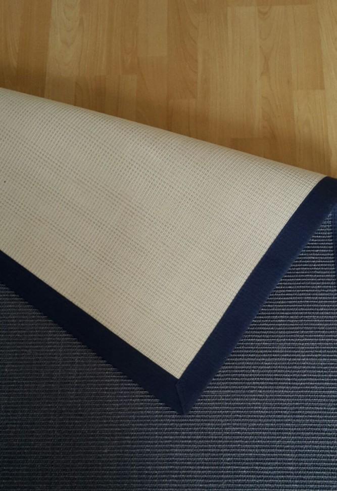b rostuhl auf holzboden wie lassen sich kratzer vermeiden mypianeta. Black Bedroom Furniture Sets. Home Design Ideas