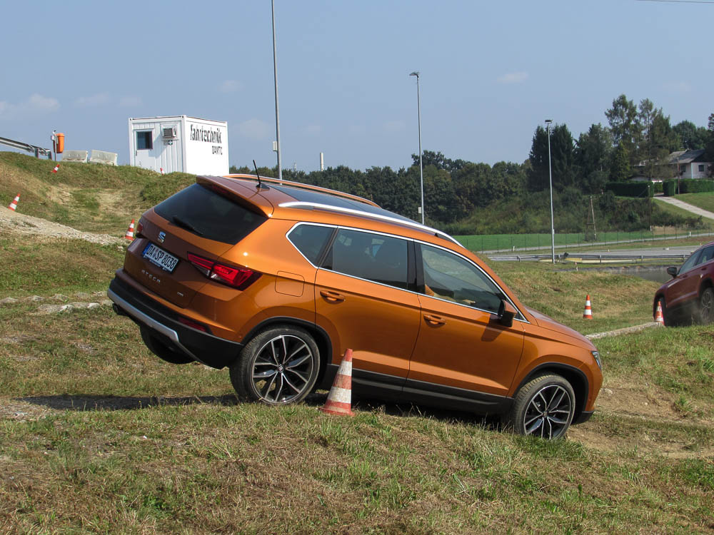 seat-ateca-offroad-drive