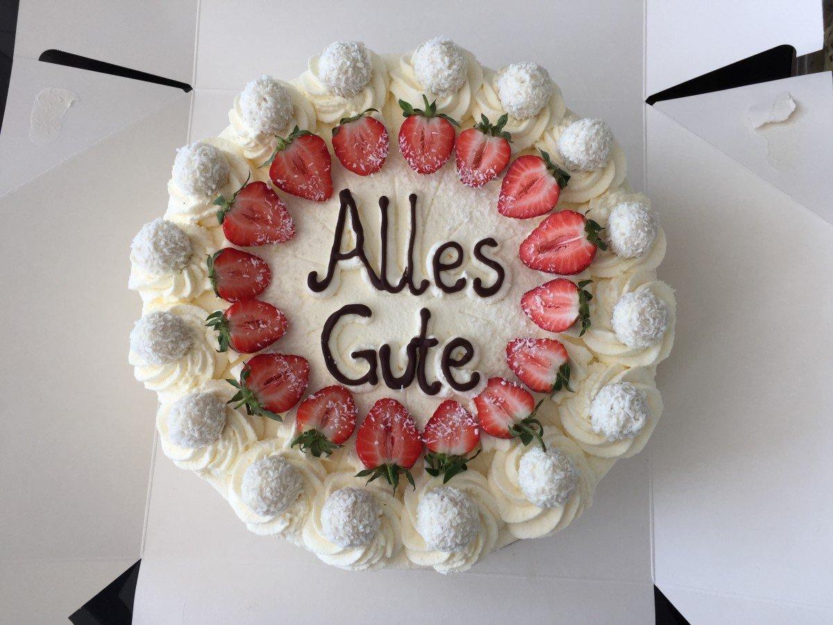 Raffaello Torte Mit Erdbeeren Mypianeta